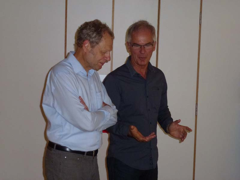 Bürgermeister Mosbach und Moderator Klaus Hoppe bei der Begrüßung der Teilnehmer der Ideenwerkstatt am 26.07.2014