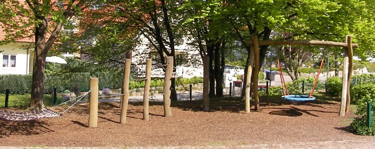 Spielplatz bei der Schule